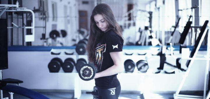 gym girl wearing non see through leggings